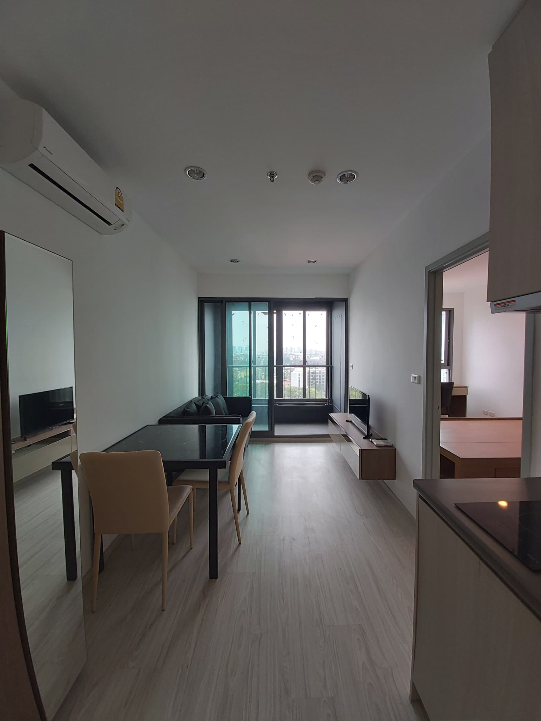 ให้เช่าคอนโด Ideo Mobi Sukhumvit Estgate (ห้องใหม่ไม่เคยมีคนพัก!!! ห่างBTS บางนา 250 เมตร)