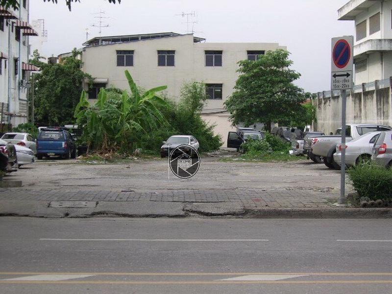ภาพขายด่วน! เจ้าของขายเอง เซ้งที่ดิน อุดมสุข สุขุมวิท103 ทำเลดี อยู่ริมถนนติดธนาคารกรุงเทพฯ