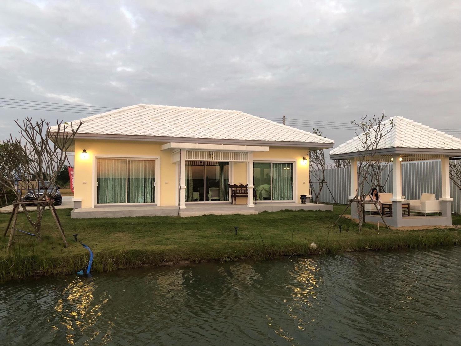 ขายบ้านเดี่ยว โครงการใหม่ บ้านใหม่ สไตล์รัชกาลที่ ๕ ติดริมน้ำทุกหลัง จ. นครปฐม