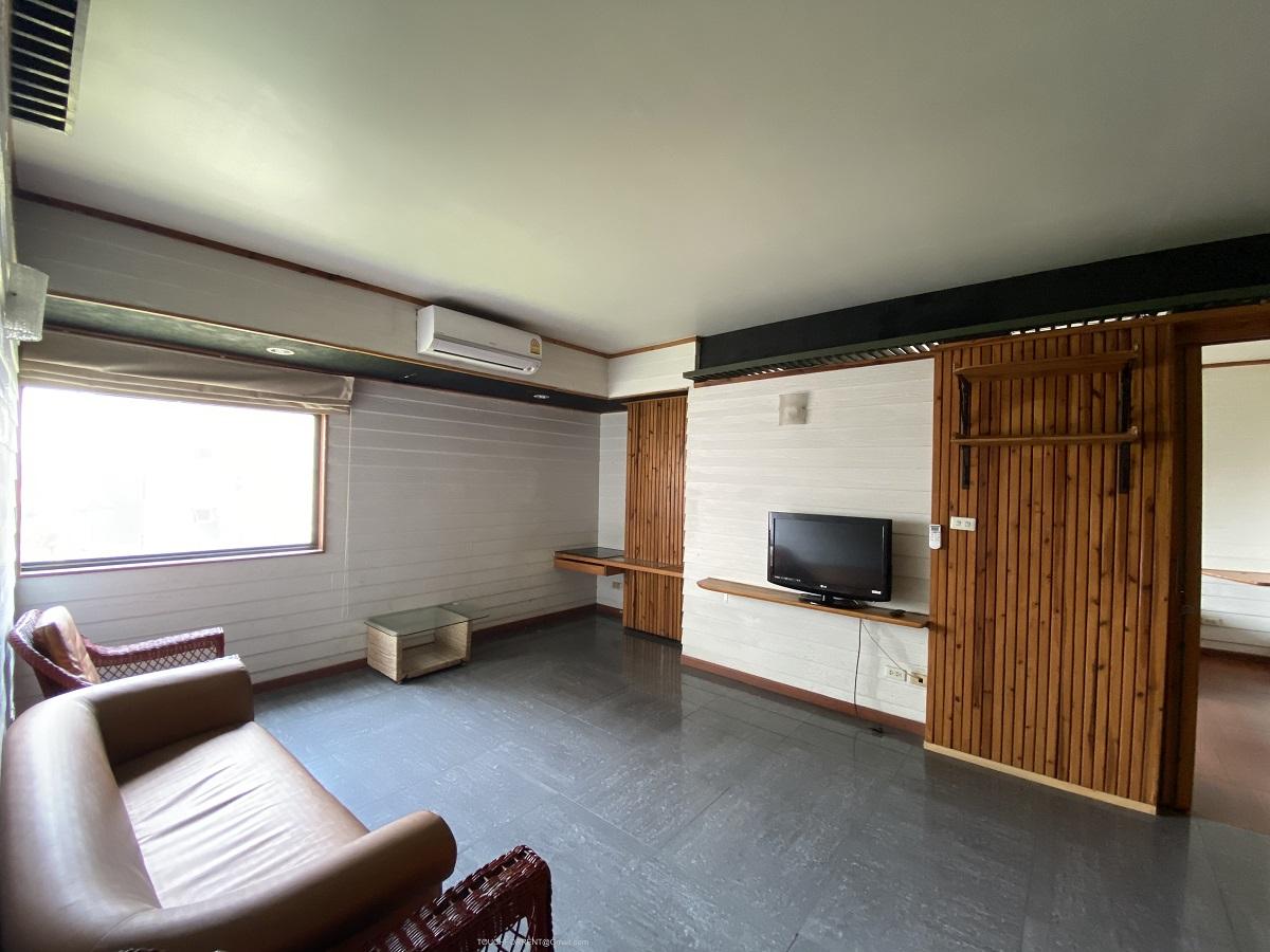 ให้เช่า คอนโดพื้นที่เยอะ ติดถนนใหญ่อ่อนนุช 2 ห้องนอน 2 ห้องน้ำ พร้อมห้องครัว 96 ตร.ม.ราคา 16,000 บาท