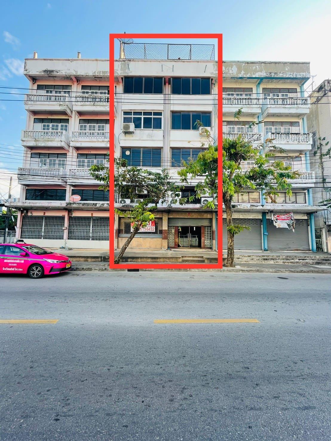 ขายตึกแถวจอมทอง19 ติดถนนเมน4เลนส์ใหญ่ มีที่จอดรถหน้าตึก ราคาถูกที่สุดในย่านนี้
