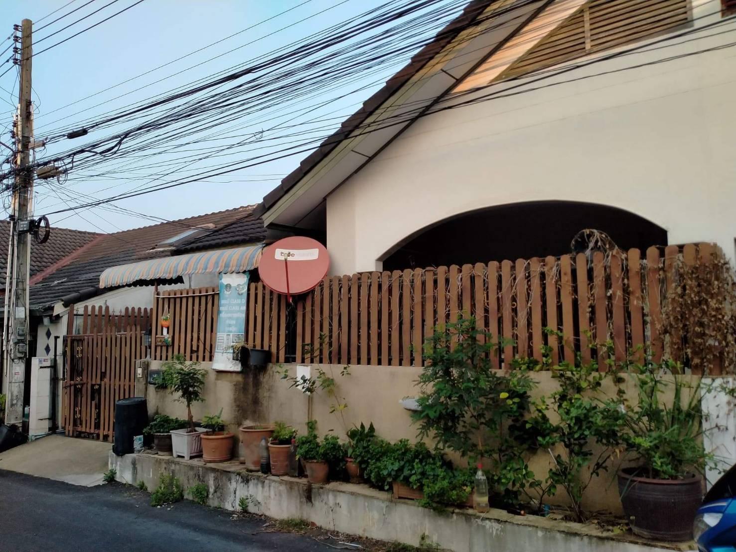ขายทาวน์เฮ้าส์ หมู่บ้าน ฉัตรแก้วกรุ๊ปA ซอย เนินพลับหวาน พัทยา ชลบุรี