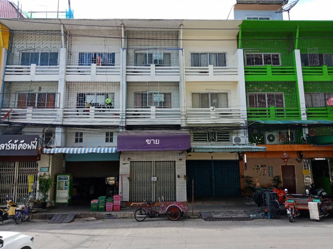 อาคารพาณิชย์ตลาดไท ขาย ตึกแถว อาคารพาณิชย์ ตลาดไท 4 ชั้น ต่อเติมเต็มพื้นที่ทุกชั้น เสาเข็ม 4 ต้นลึก