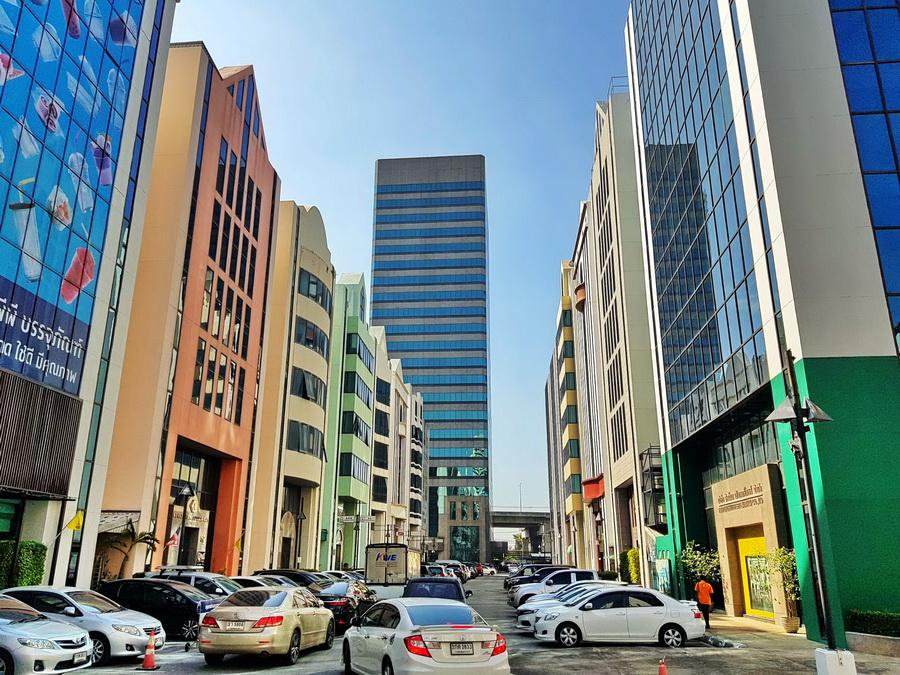 ขายด่วนยกตึก อาคาร6ชั้นในโครงการบางนาคอมเพล็กซ์ ย่านธุรกิจ ติดเซ็นทรัลบางนา มีที่จอดรถเยอะ
