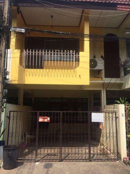 บ้านเพิ่ง renovate ใหม่ 2 ชั้น เดินถึง MRT พระราม 9