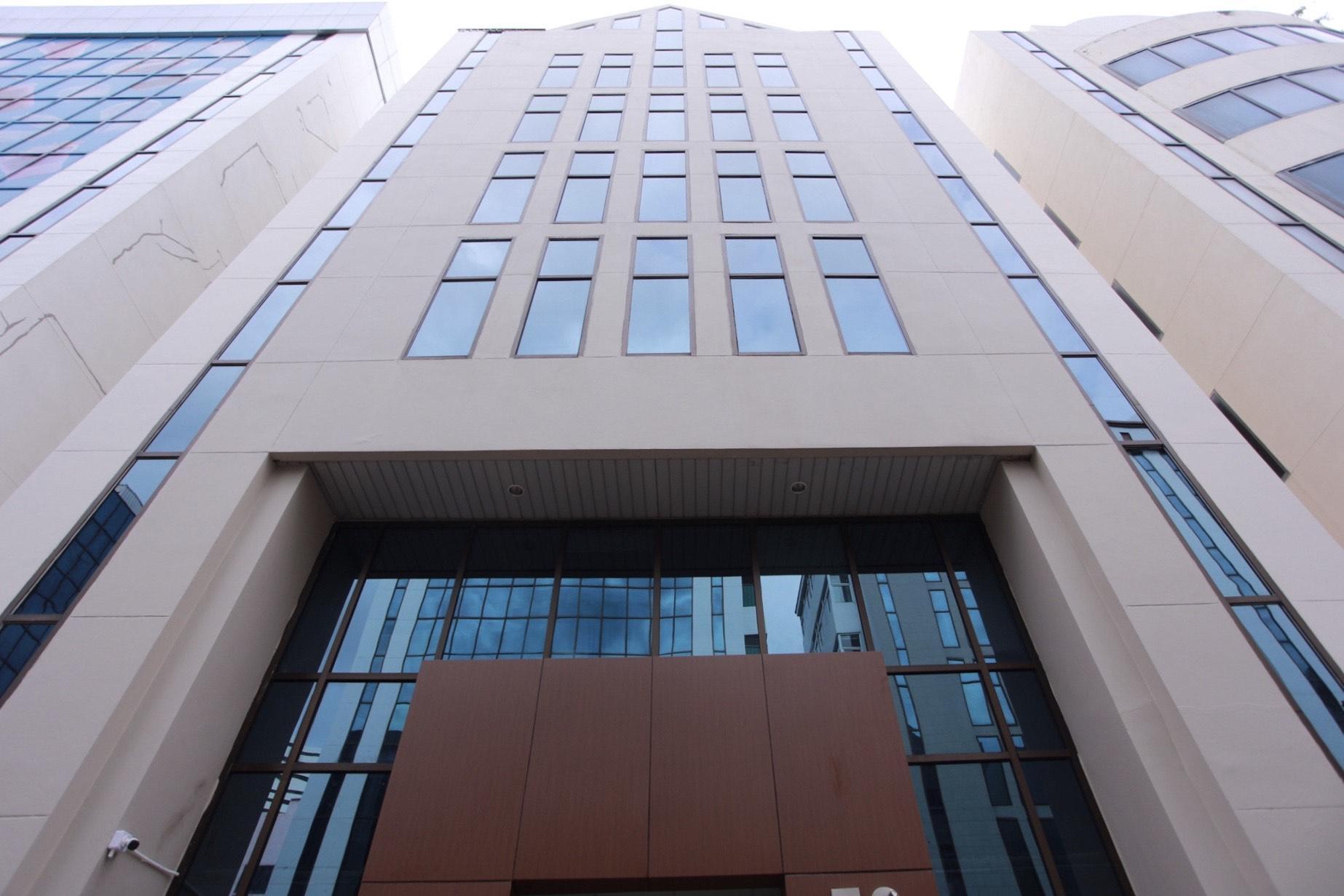 เช่าเดือนละ 32,000 บาท!! ออฟฟิศให้เช่าทั้ง floor พร้อม ลิฟท์แบบ private