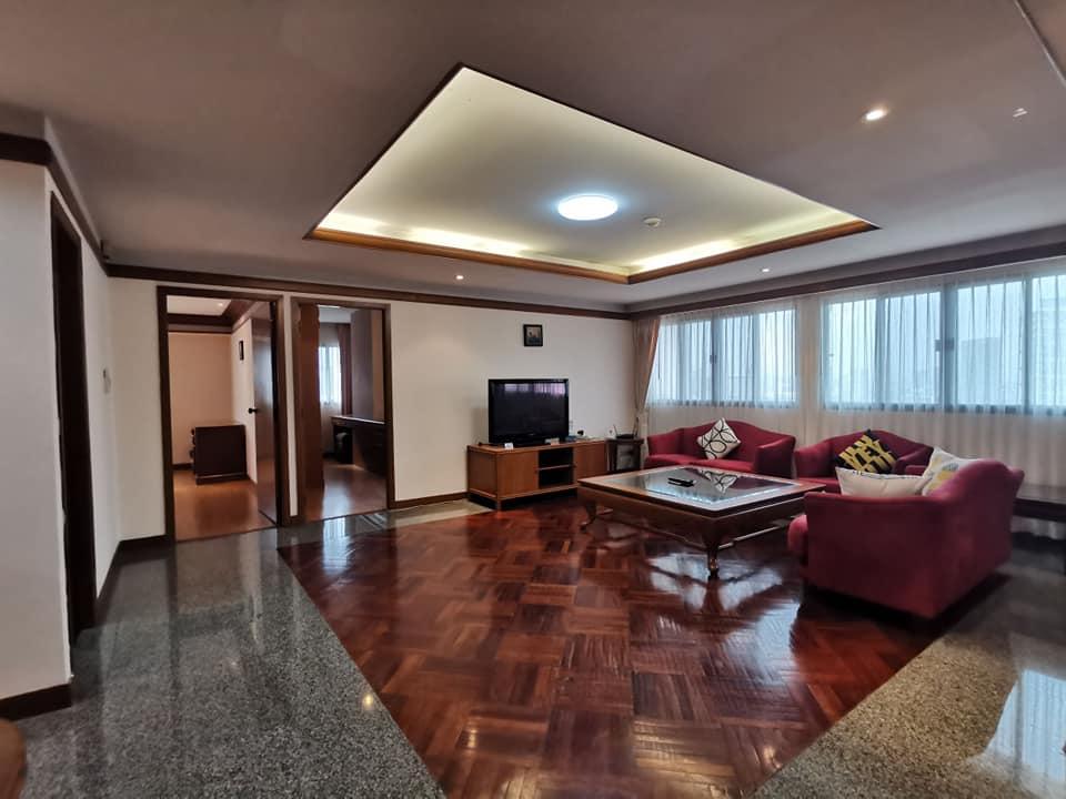 ยูไนเต็ดทาวเวอร์ทองหล่อ - ชั้น 20 - 157 ตารางเมตร 2 ห้องนอน 2 ห้องน้ําห้องแม่บ้านพร้อมอ่างอาบน้ํา