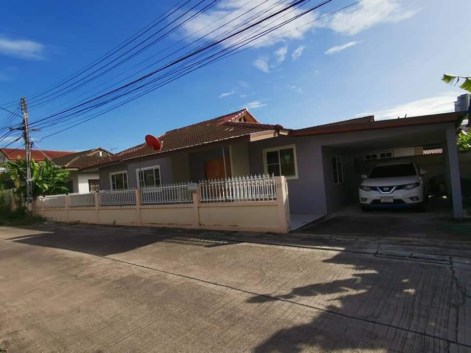 บ้านเดี่ยวชั้นเดียว 52 ตารางวาหน้ากว้าง 20 เมตร 3 ห้องนอน 2 ห้องน้ำ ห้องโถง ห้องครัว โรงจอดรถได้