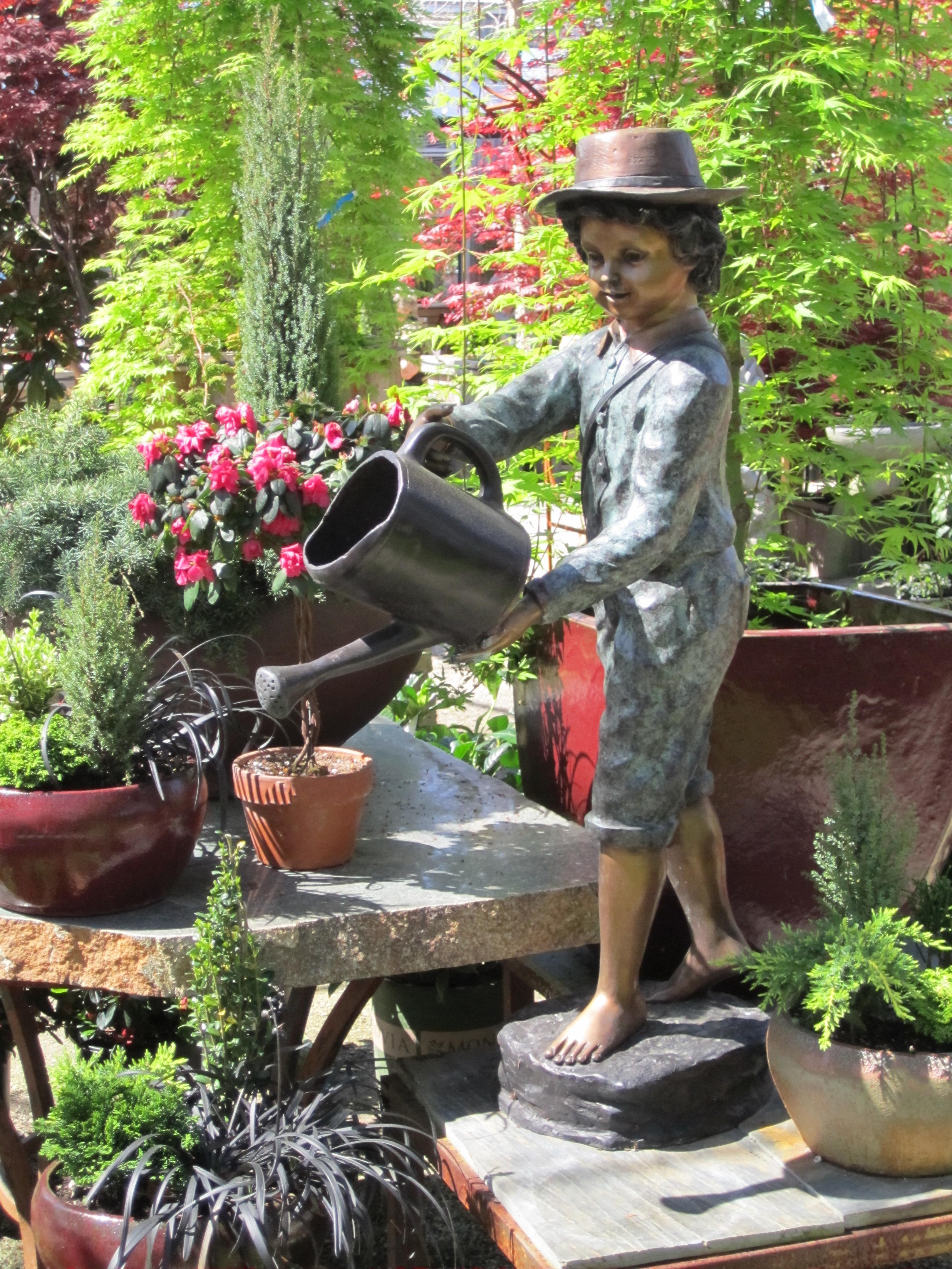 statue_bronze_garden_statue