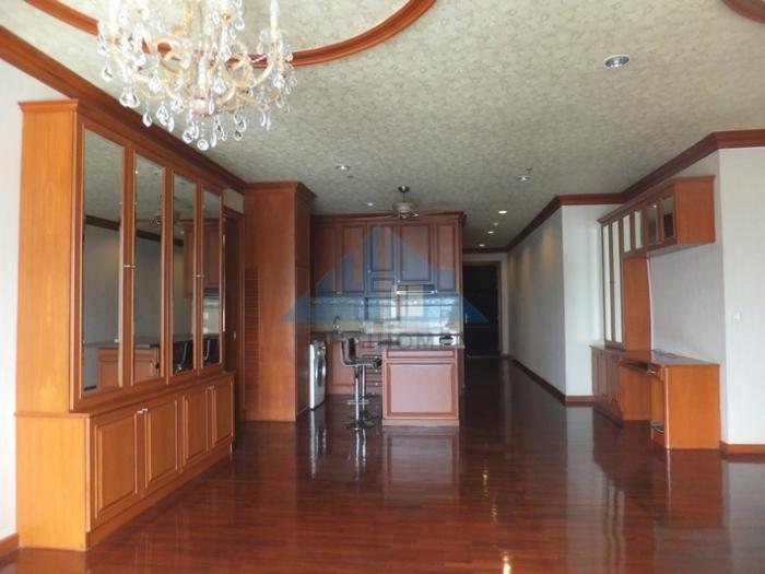 คอนโดฯบ้านกลางกรุง สยาม-ปทุมวัน 140 ตรม.ชั้น 14  ห้องมุม  บิวท์อินไม้สัก สวยมาก ใจกลางเมือง สี่แยกราชเทวี ถนนเพชรบุรีตัดใหม่ 17,500,000 บาท ขายถูก